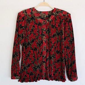 🌹 Vintage Accordion Rose Pattern Blouse